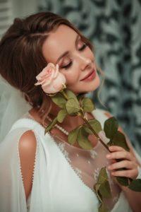 Сияющий свадебный макияж
