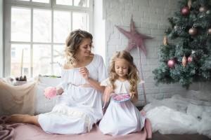 Новогодняя фотосессия с декором и платьями