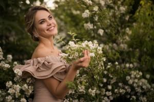 Портреты в цветущих садах