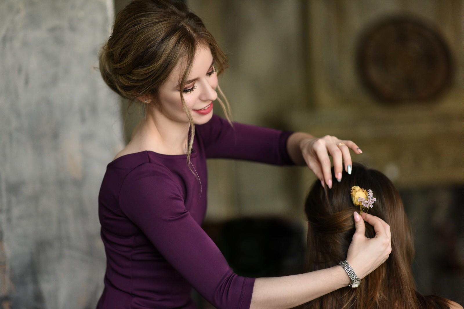 Уроки макияжа и причёсок «для себя»